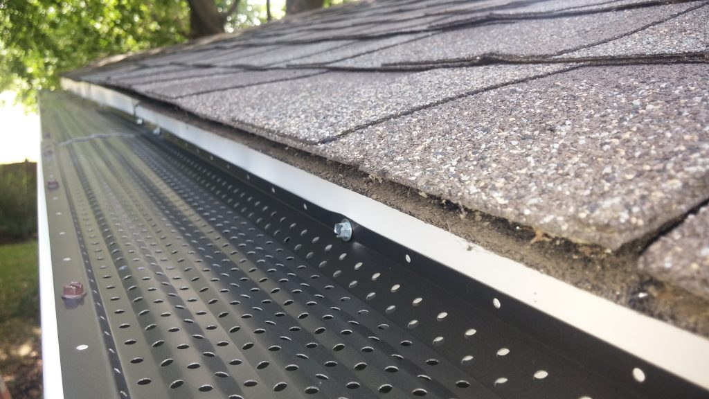 6 Reasons To Clean Your Gutters Before Spring