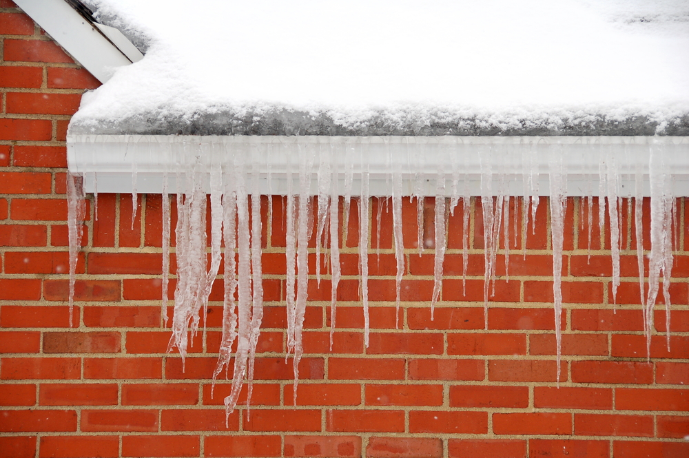 3 Tips To Help Your Gutters Survive Winter
